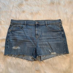 Old Navy Boyfriend Cut Off Short Light Wash